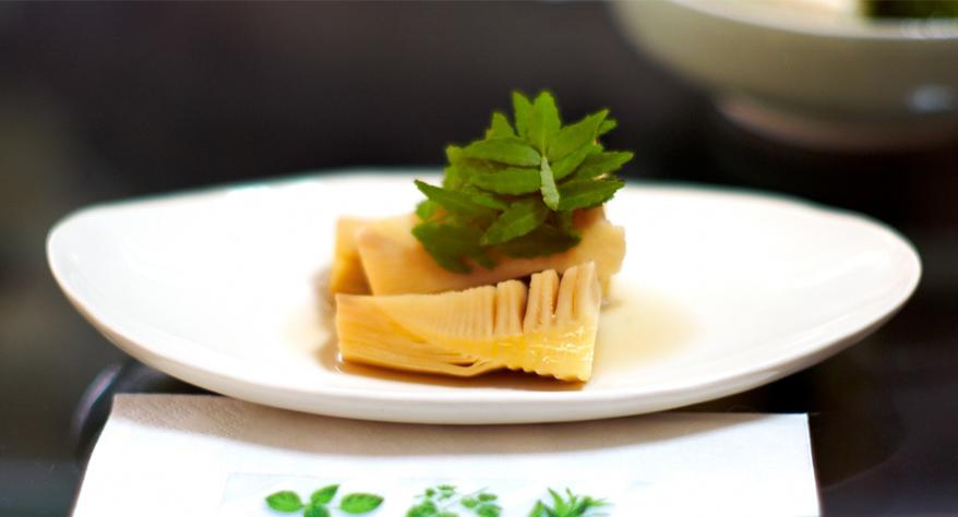 Bamboe op bord, bamboe eten
