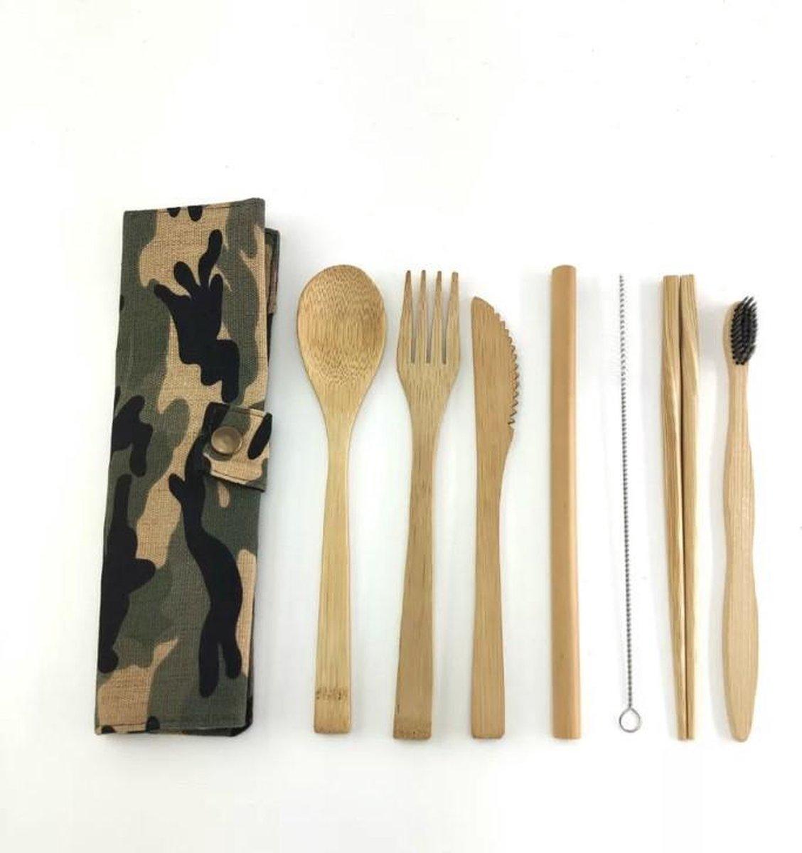 Legerprint - Luxe bamboe bestek set- 9 -delig - Met Tandeborstel - Milieuvriendelijk - Army Green - 1 persoons - Servies - Camouflage - Herbruikbaar ♻